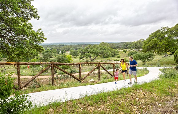 Rancho Sienna Discovery Loop Family on Trail