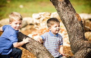 Rancho Sienna Discovery Loop boys playing on a tree