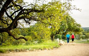 Rancho Sienna - Sienna Park - Mature couple walking on trail